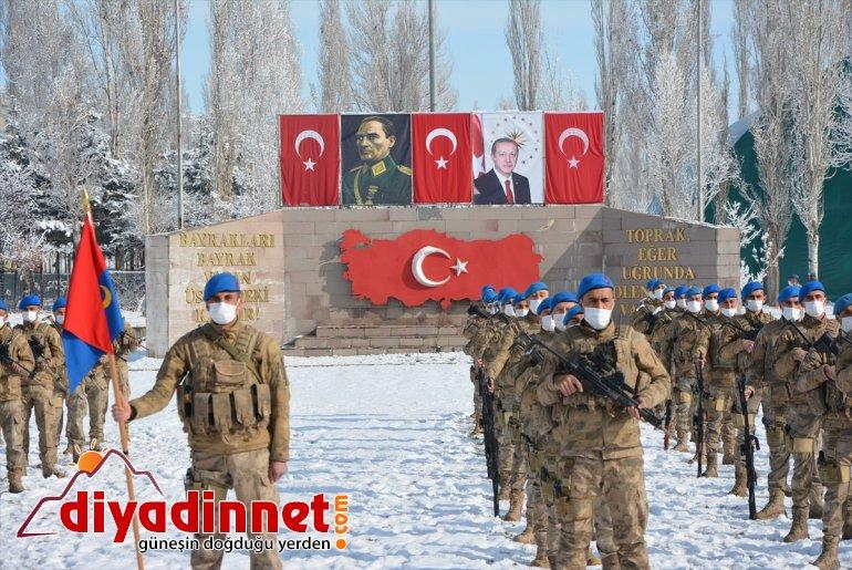 Kahraman komandolar Türk bayrakları ve dualarla Ağrı dan Suriye ye uğurlandı9