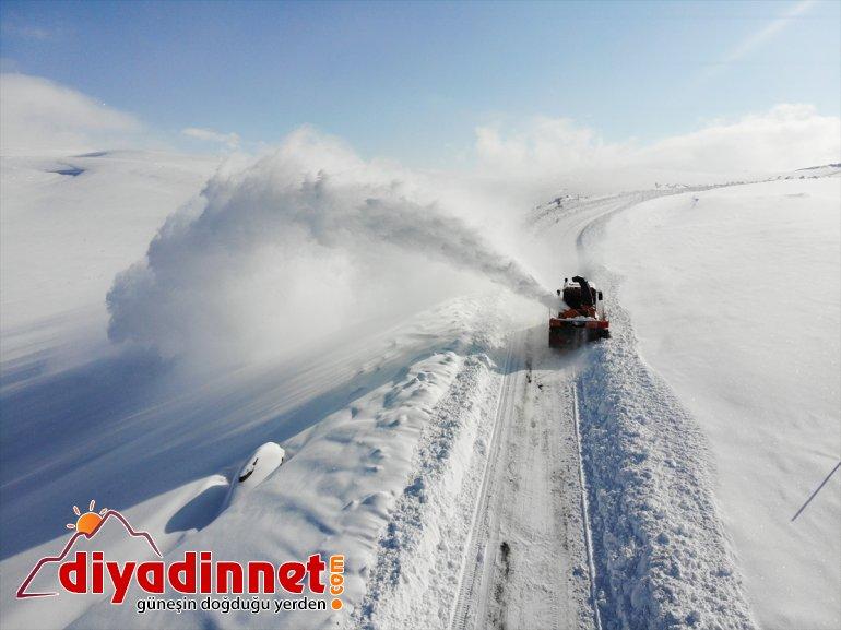 görev Karla ekipleri gündüz yapıyor yolları kardan mücadele gece için açık tutmak kapalı 11