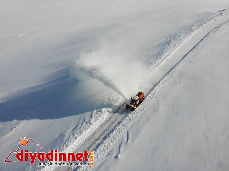 kapalı açık görev mücadele gündüz ekipleri için yapıyor gece kardan tutmak yolları Karla 8