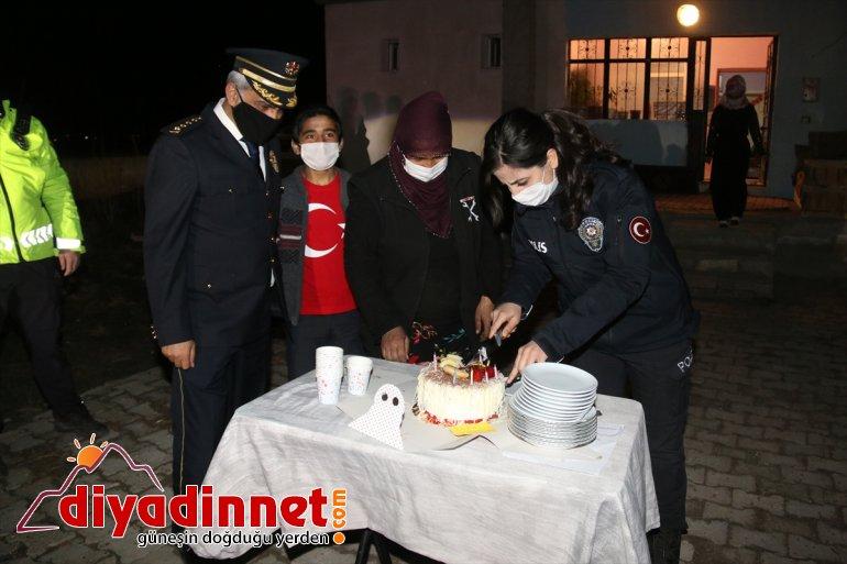 13 çocuk evine bulundu yaşındaki ettiği davet ikramında AĞRI polislere - pasta 4