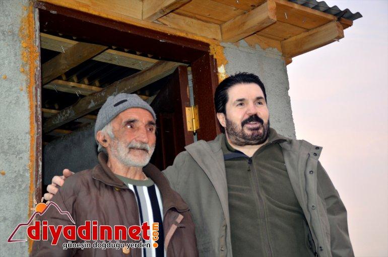 inşaat Başkanı 'ev Belediye yalnız sözü bekçisine Sayan'dan Ağrı evlendirme' ve yaşayan 3