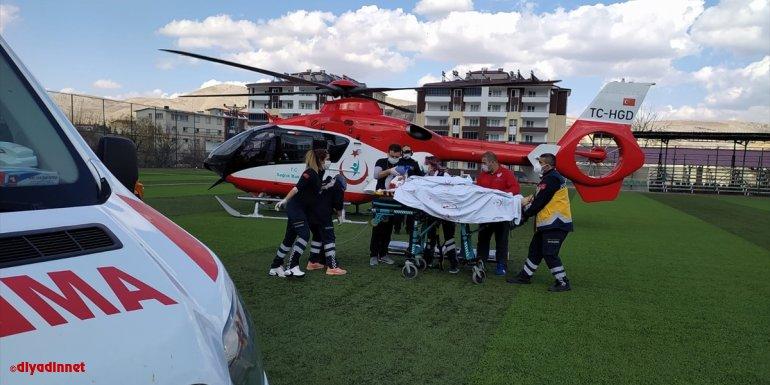 Ambulans helikopter kazada yaralanan sürücü için havalandı
