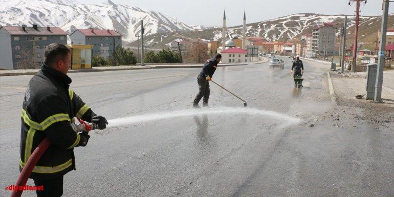 Bitlis Belediyesi kentte temizlik çalışması başlattı