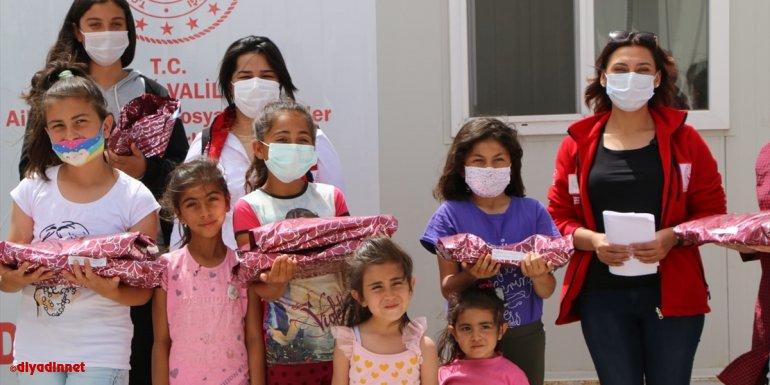 Elazığ'da resim, şiir ve kompozisyon yarışmasında başarılı olan depremzede çocuklara ödül verildi