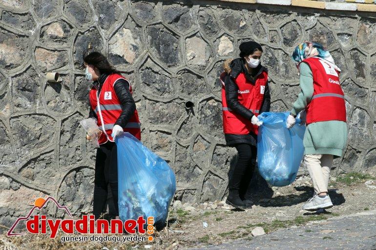 gönüllüleri, Türk Sarayı tarihi Kızılay Paşa çöplerden İshak arındırdı çevresini 6