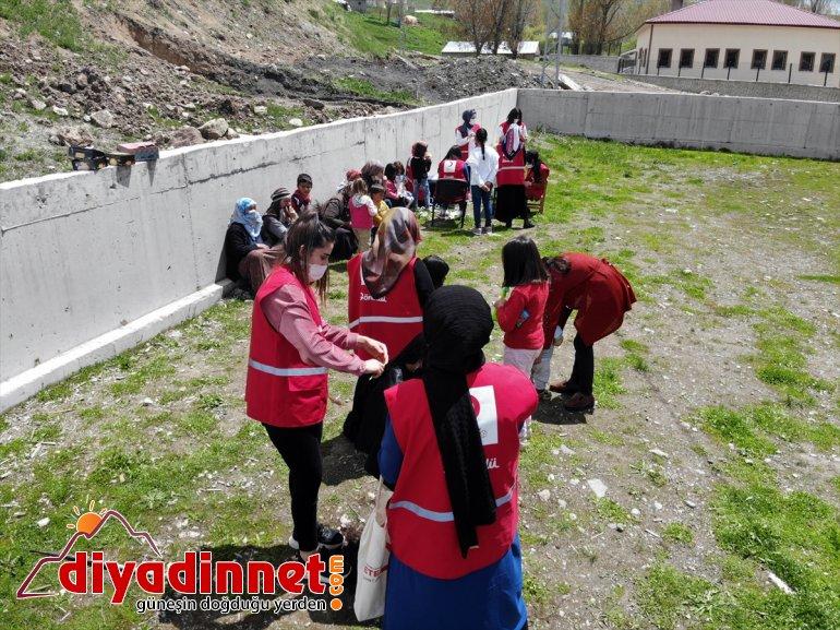 gönüllüleri kız çifte kırsaldaki - çocuklarına bayram AĞRI yaşattı Kızılay 7