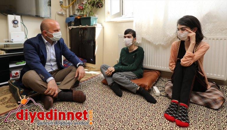 Ağrı Valisi Varol Engelliler Haftası'nda aileleri ziyaret etti