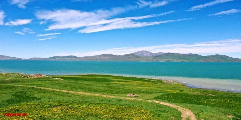 Bitlis ve Muş'taki göller normalleşme süreciyle ziyaretçilerini ağırlamaya hazırlanıyor
