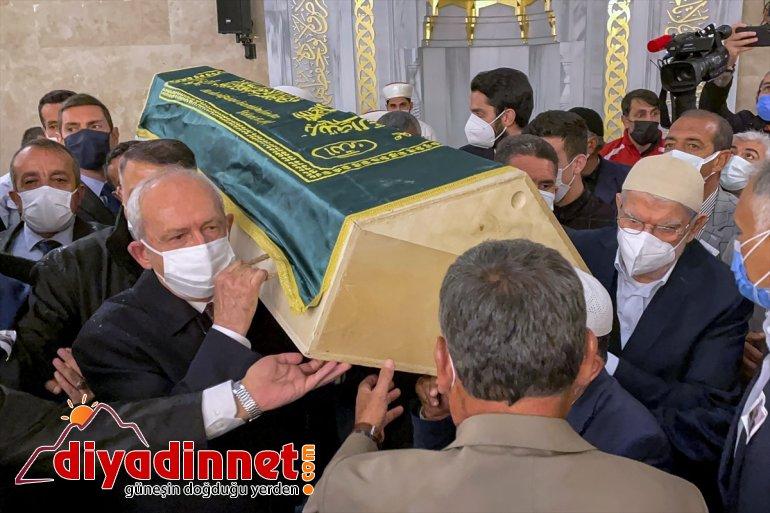 törenine Genel Başkanı Erhan'ın CHP Devlet eski Bakanı Kılıçdaroğlu, Ağrı'daki katıldı cenaze 6