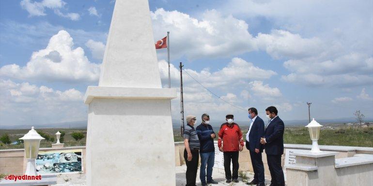 Cumhurbaşkanı Başdanışmanı Sertçelik, Kars'ta Ermeni mezalimine uğrayanların yakınlarıyla görüştü: