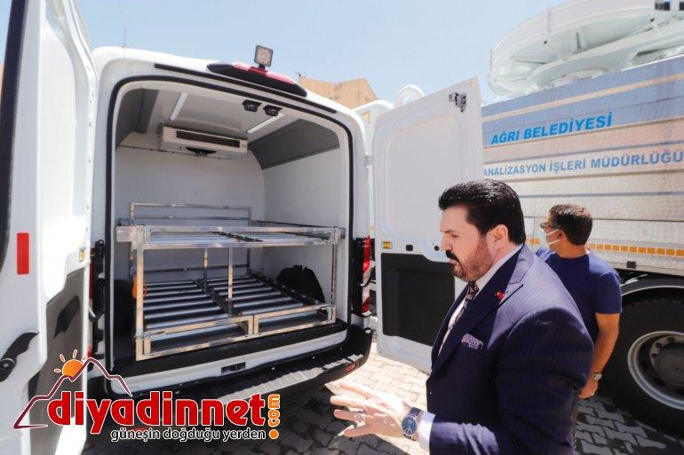 Ağrı Belediyesi filosuna Cenaze Nakil ve Kanal Açma aracı ekledi4