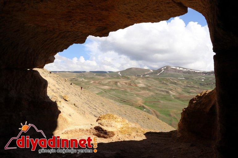'Yukarı Mağaraları' Biligan Kayalar AĞRI - ziyaretçilerini yapılan bekliyor oyularak 14