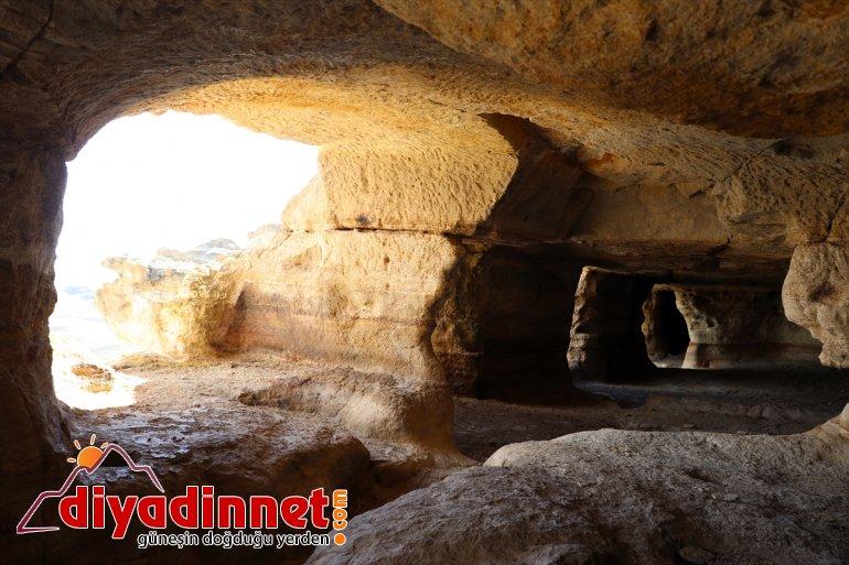 oyularak Biligan ziyaretçilerini Kayalar Mağaraları' - bekliyor 'Yukarı yapılan AĞRI 18