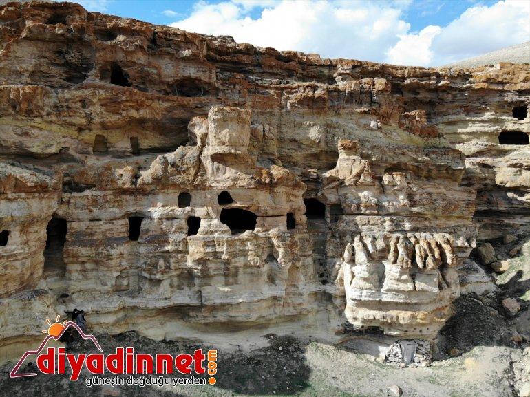 Mağaraları' bekliyor Kayalar oyularak - AĞRI yapılan Biligan ziyaretçilerini 'Yukarı 27
