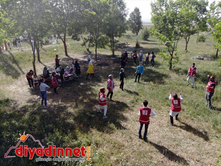 İran aileler piknikte Afganistanlı araya ve bir AĞRI - Suriye, geldi 5