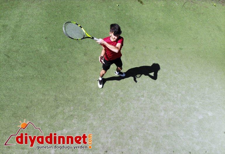 dalgalandırmak uluslararası Türk genç bayrağını müsabakalarda tenisçiler istiyor Ağrılı 3