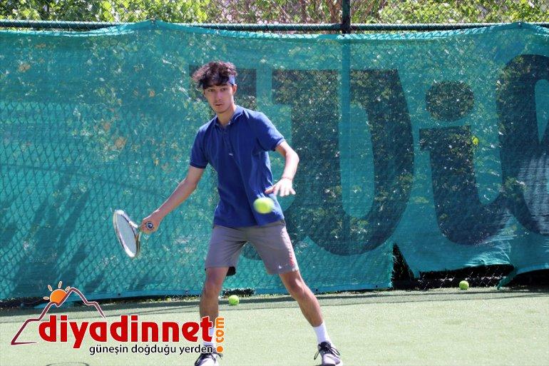 Türk genç tenisçiler bayrağını istiyor müsabakalarda Ağrılı uluslararası dalgalandırmak 6