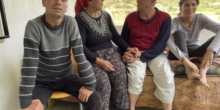 """Bingöl'de ömrünü 3 engelli çocuğuna adayan """"Altın"""" anne - Bingöl Haberleri"""