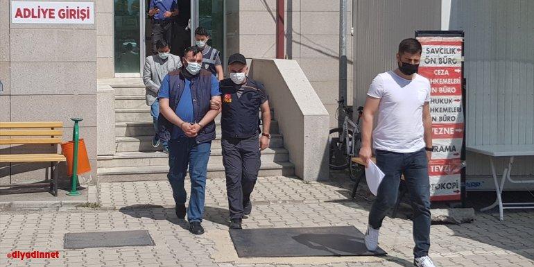 Erzincan'da hafif ticari araçta 4 göçmen yakalandı
