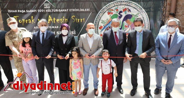 İshak Paşa Sarayı'nda Cam ve Seramik sergisi düzenlendi1