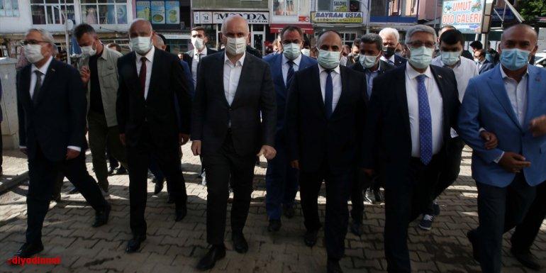 Ulaştırma ve Altyapı Bakanı Karaismailoğlu, AK Parti Malazgirt İlçe Başkanlığında konuştu: - Muş Haberleri