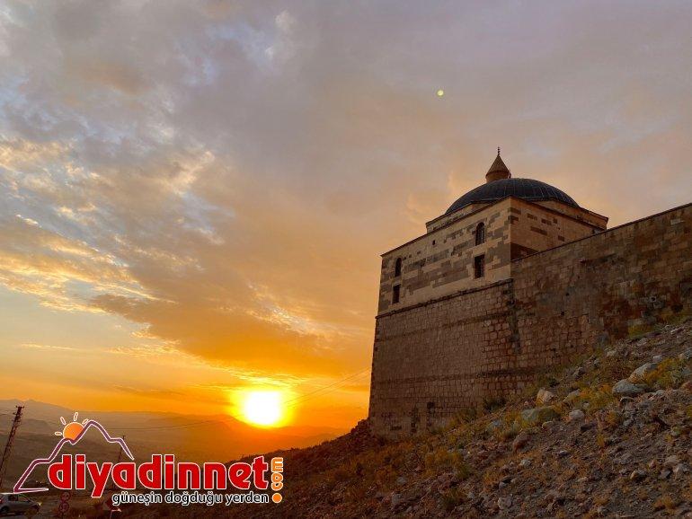 Tarihi İshak Paşa Sarayı nda eşsiz gün batımı manzarası4
