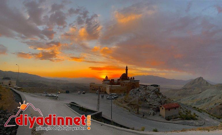 Tarihi İshak Paşa Sarayı nda eşsiz gün batımı manzarası8