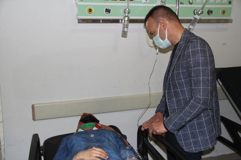 Ağrı da içinde öğretmenlerin de bulunduğu midibüs devrildi ölü yaralı1