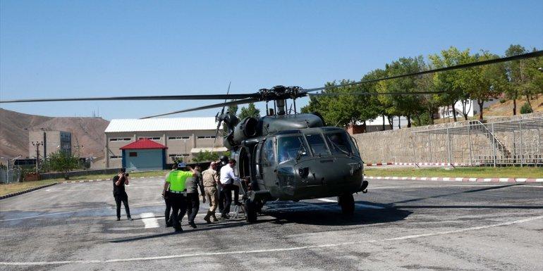 Bitlis Valisi Oktay Çağatay, helikopterle trafik denetimi yaptı