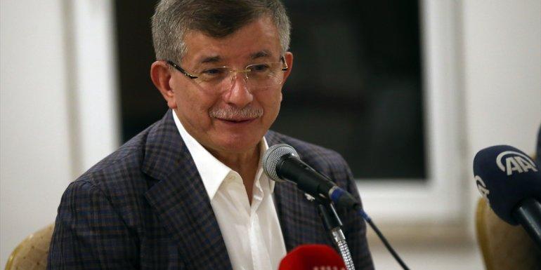 Gelecek Partisi Genel Başkanı Davutoğlu, Erzurum'da basın mensuplarıyla bir araya geldi: