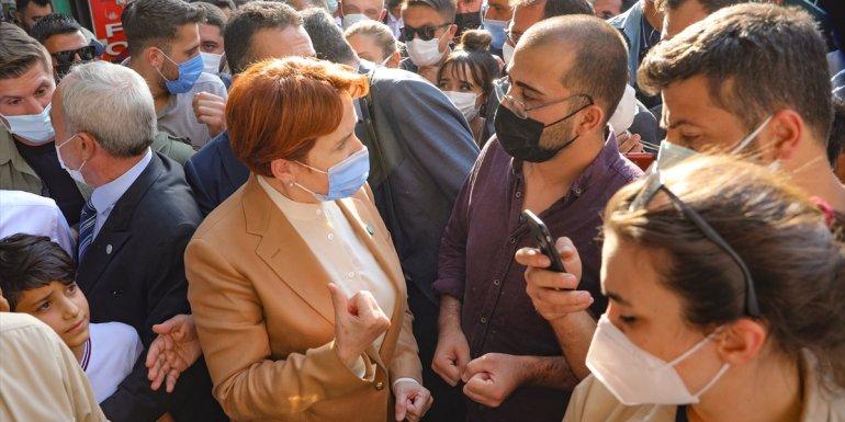 İYİ Parti Genel Başkanı Akşener, Van'da esnafı ziyaret etti