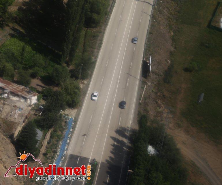 trafiğini kara denetledi helikopterle yolundaki Erzurum-Artvin Jandarma bayram 17