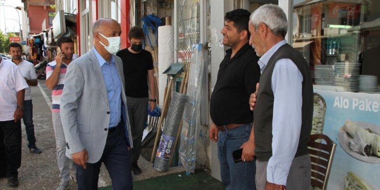Malazgirt Belediye Başkanı Cengiz Altın, esnafla bayramlaştı