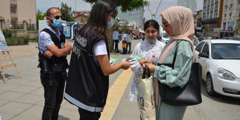 Muş'ta vatandaşlara uyuşturucunun zararları anlatıldı