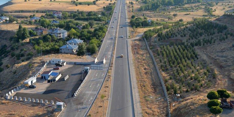 Tunceli'de bayram tatili dönüş trafiği helikopterle denetlendi