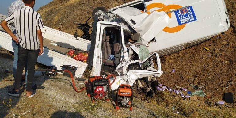 Bitlis'te trafik kazasında 2 kişi yaralandı
