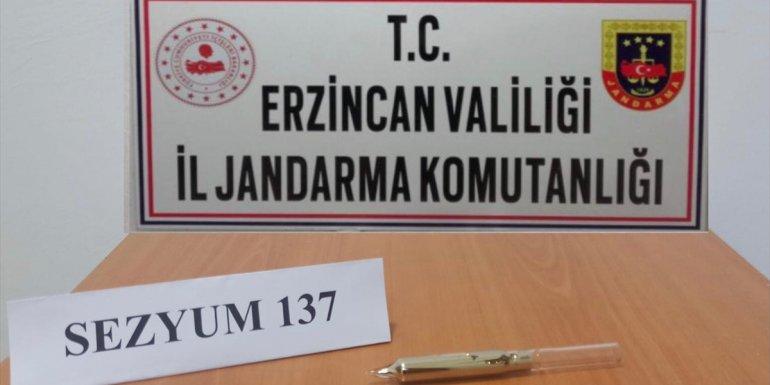 Erzincan'da nükleer sanayide kullanılan sezyum olduğu değerlendirilen madde ele geçirildi