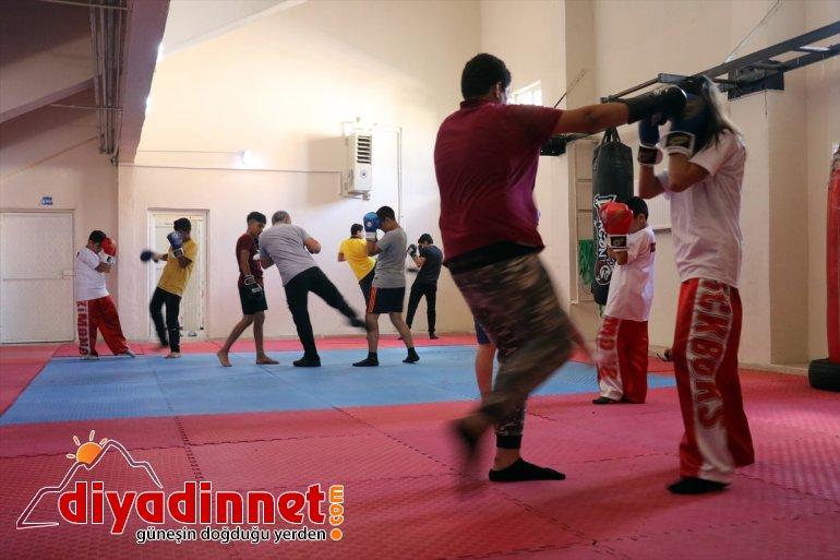 Üniversite öğrencisi milli kick boksçu Tuba'nın gözü dünya şampiyonluğunda1