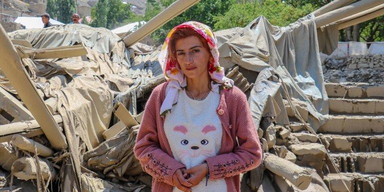 Van'da selden son anda kurtarılan Kader Yurtseven yaşadıklarını anlattı: