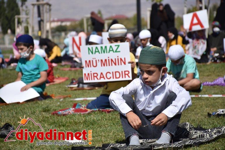 Ağrı'da çocuklara namazı sevdirmek için etkinlik düzenlendi1