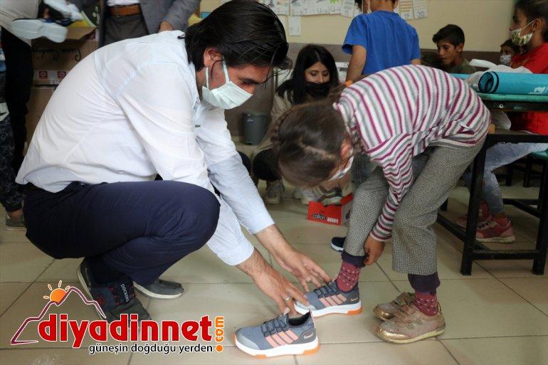 hayırseverlerin yüzü çocukların etkilenen selden güldü yardımlarıyla Ağrı'da 8