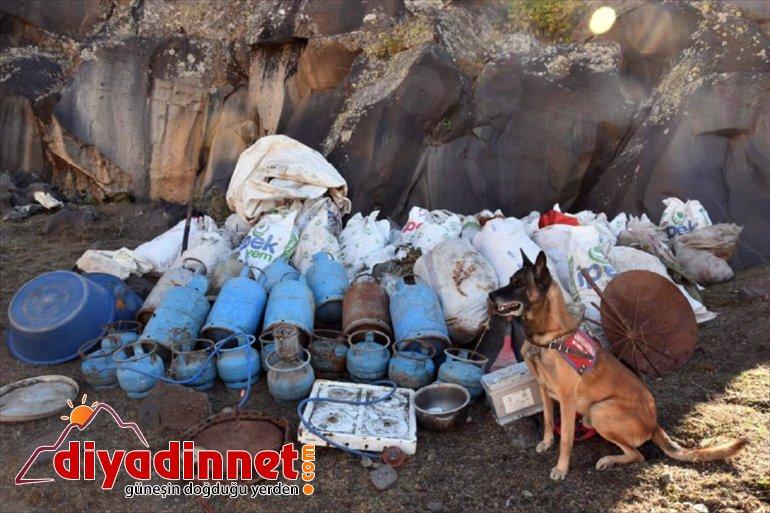 malzemeleri geçirildi yaşam mağarada kullandığı ele Dağı'nda Ağrı teröristlerin 1