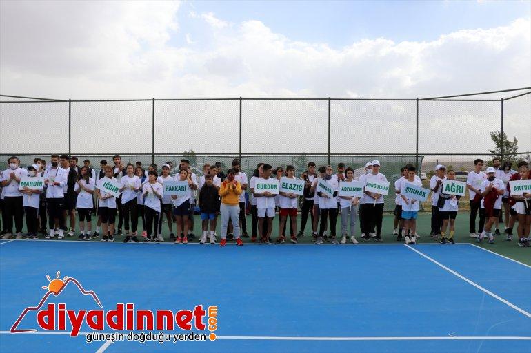 başladı ilden katılımıyla 137 Turnuvası 23 Ağrı sporcunun Tenis Dağı 1