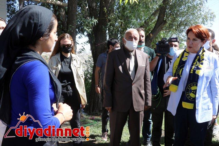 - ziyaret Başkanı Akşener İYİ Parti AĞRI Genel etti esnafı 5