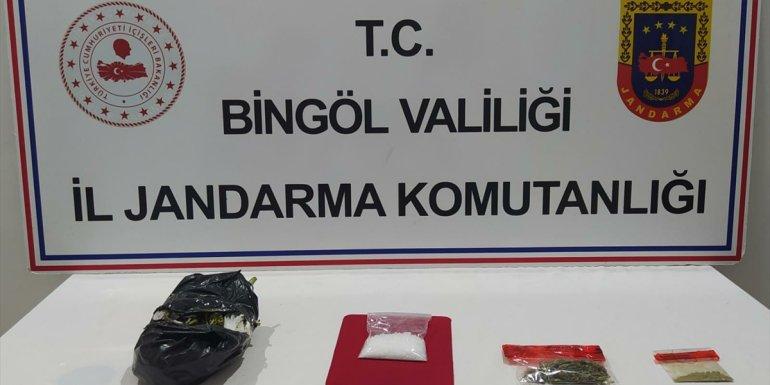 Bingöl'de uyuşturucu operasyonunda 11 zanlı yakalandı