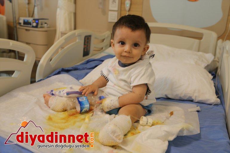 Üzerine su - kaynar bebek alındı tedaviye devrilen çaydanlık ERZURUM dolu 2