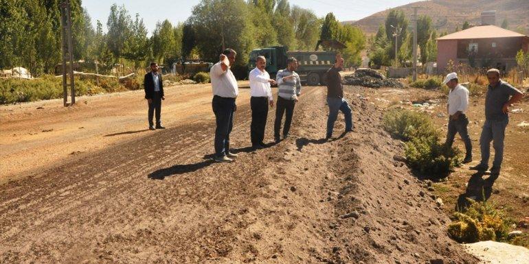 Günkırı Belediye Başkanı Çetinsoy yol çalışmalarını denetledi