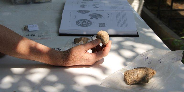 Arslantepe'de bulunan 5 bin 621 yıllık mühür baskılarının izi sürülüyor