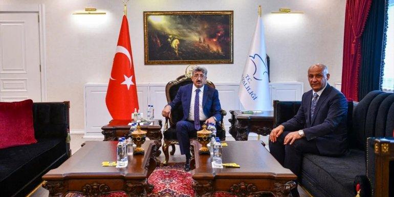 Malazgirt Belediye Başkanı Altın, Van Valisi Bilmez'i ziyaret etti