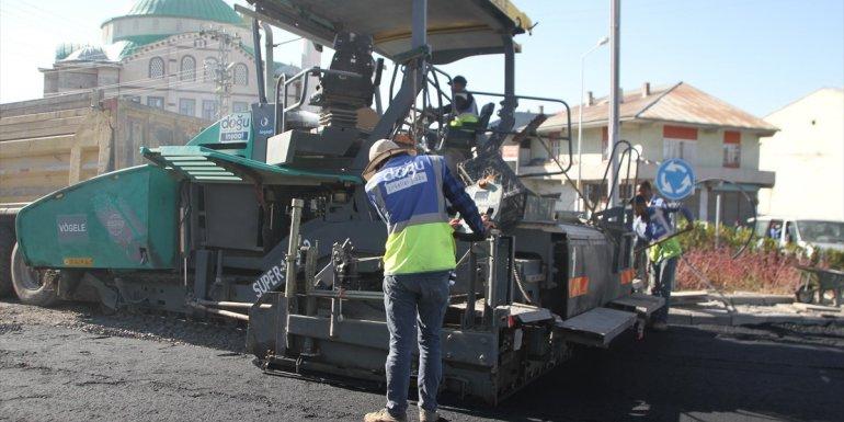 Malazgirt'te asfalt çalışması sürüyor